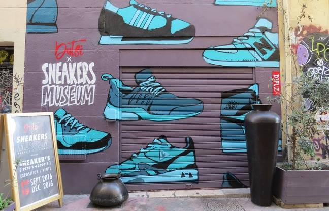 La façade du Sneakers Museum, galerie Dusti, rue Pastoret (6e).