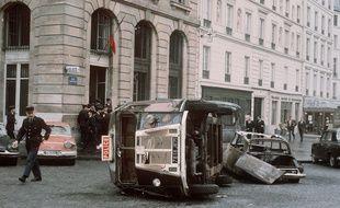 Illustration des événements de mai 68 à Paris.