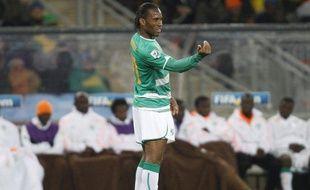 L'Ivoirien Didier Drogba va devoir marquer contre la Corée du Nord pour faire espérer ses coéquipiers, le 25 juin 2010