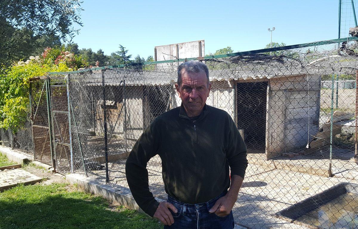 Hervé Eurzet, retraité et président d'une société de chasse dans le petit village d'Assas, dans l'Hérault. – Jérôme Diesnis / Agence Maxele Presse