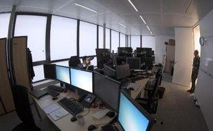 """Les bureaux du Calid (Centre d'analyse de lutte informatique défensive), """"gendarme"""" des systèmes informatiques de l'armée française, le 16 janvier 2015 dans un immeuble parisien"""