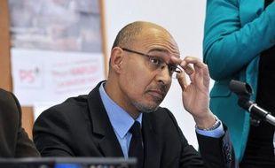 """Le premier secrétaire du PS Harlem Désir a défendu lors d'une rencontre avec des nouveaux militants à Limoges l'idée d'un référendum auprès des français en vue de mettre en oeuvre des réformes pour la moralisation de la vie publique, et """"remettre à plat tout ce qui doit l'être""""."""