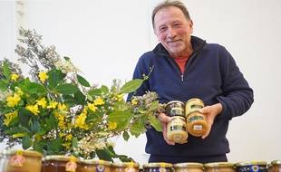L'apiculteur Jean-Louis Lautard, lundi à Nice
