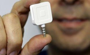 Le lecteur de cartes de la startup de paiement mobile Square.