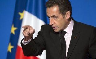 Nicolas Sarkozy recevra lundi après-midi à l'Elysée les dirigeants syndicaux, afin de les associer à la préparation du sommet du G20 sur la crise financière internationale prévu le 15 novembre à Washington, a confirmé vendredi l'Elysée.