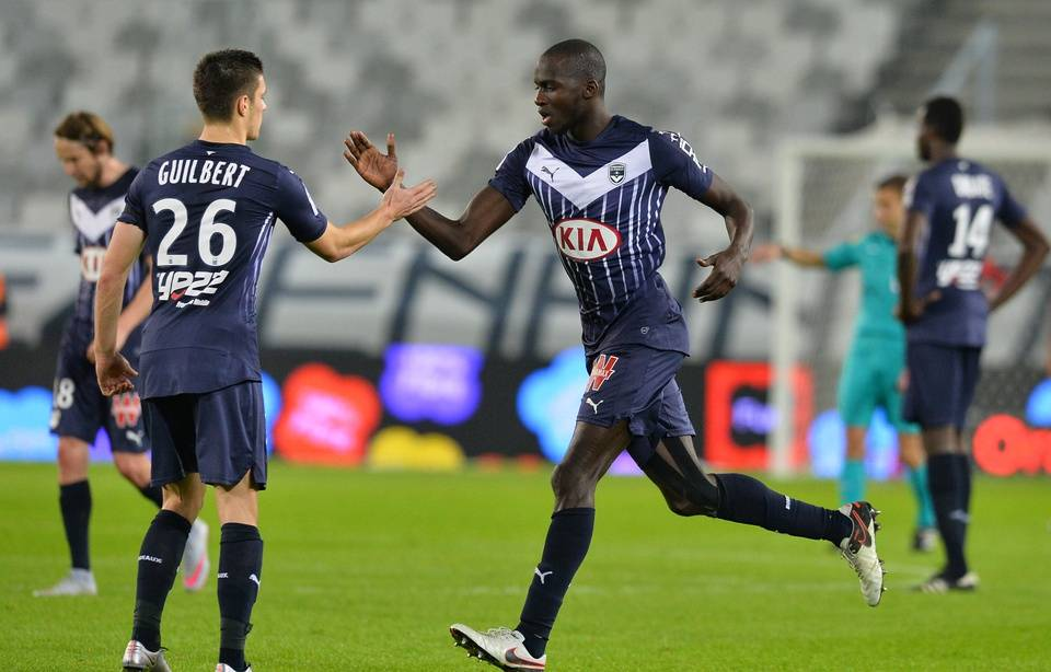 https://img.20mn.fr/V_5Gcvo3Tm6U85C9ooPeTA/960x614_girondins-guilbert-yambere-fetent-but-victoire-lors-match-contre-guingamp-joue-6-decembre-2015