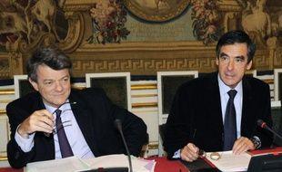 Engagé au début de l'été dans la foulée de la débâcle de la droite aux régionales, ce feuilleton a viré au casse-tête voire au cauchemar pour le chef de l'Etat, en entretenant une compétition inédite entre le Premier ministre, François Fillon, et son ministre de l'Ecologie, Jean-Louis Borloo.