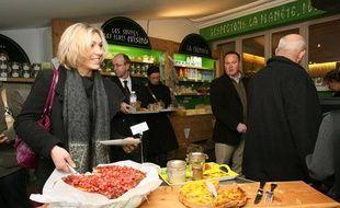 Inauguration du fast-food bio de Marc Veyrat à Annecy, en janvier 2009.