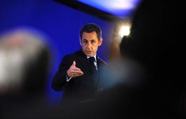 """La promesse faite depuis le sommet de l'Otan à Lisbonne par Nicolas Sarkozy, que l'Etat communiquerait """"en temps et heure"""" tous les documents sur ce dossier, a en revanche été mal reçue."""