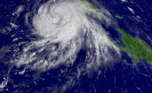 Le centre de la tempête tropicale Gustav, au-dessus des Caraïbes, le 29 août 2008. Redevenu un ouragan, il menaçait samedi la Nouvelle-Orléans.