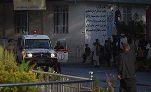 Une ambulance devant l'hôpital Wazir Akbar Khan après l'explosion qui a secoué Kaboul, le 3 septembre 2019.