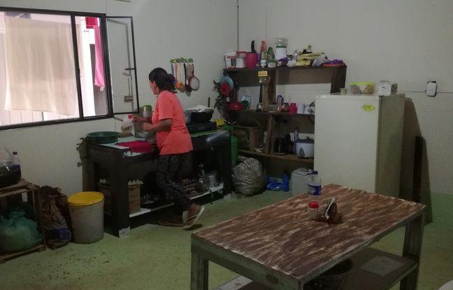 Maria et son mari, Manuel qui a passé 37 ans dans les Farc, vivent désormais dans le campement sommaire de Monterredondo en Colombie, censé les préparer au retour à la vie civile.