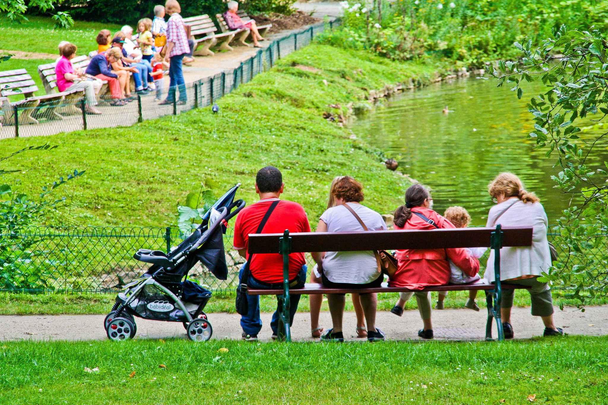 Allocations familiales les d put s socialistes veulent for Au jardin de la famille de fabreville