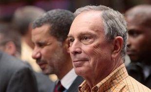 Le Conseil municipal de New York a ouvert la voie jeudi à un troisième mandat du maire Michael Bloomberg, en adoptant par 29 voix pour et 22 contre une modification des règles en vigueur.