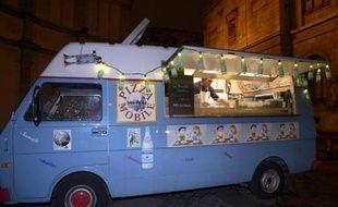 "Un ""food truck"", à Paris, le 9 novembre 2012"
