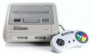 La console Super Nintendo.