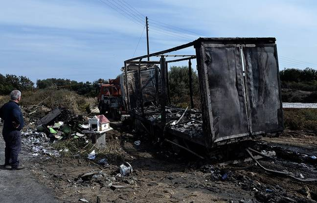 nouvel ordre mondial | Grèce: Onze migrants brûlés vifs dans l'incendie du véhicule qui les transportait