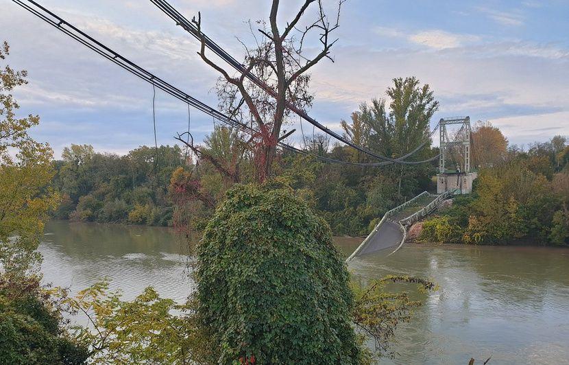 Haute-Garonne : Un pont suspendu s'effondre, un poids lourd et une voiture tombent dans la rivière