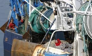 La bombe était coincée dans un filet de pêche (illustration).