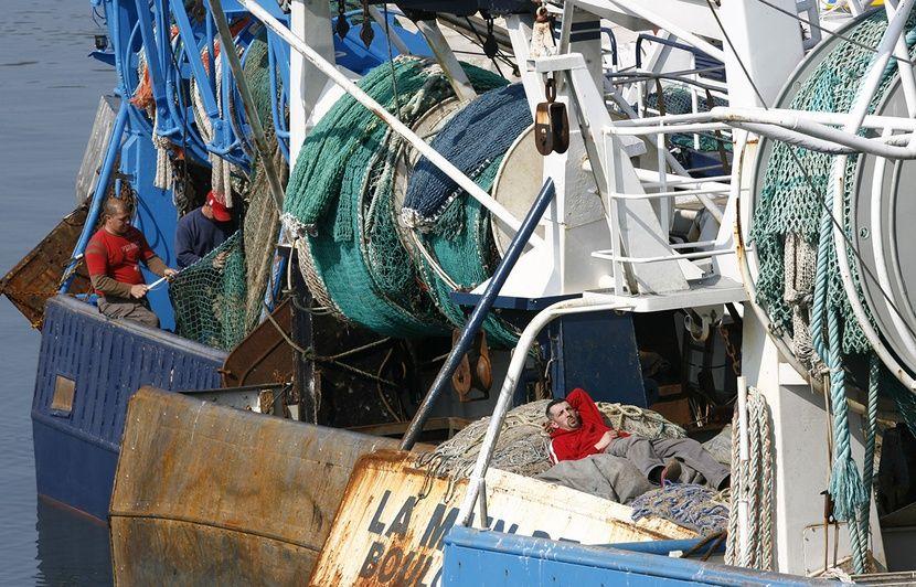 Boulogne-sur-Mer : Le pêcheur rapporte au port une bombe de 250 kg dans ses filets