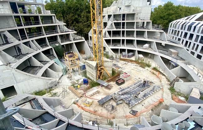 Construction de l'immeuble Green Valley de l'architecte Winy Maas, quai de Queyries à Bordeaux