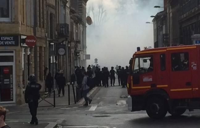 Un feu de poubelle a été rapidement maîtrisé, dans une rue derrière la place Stalingrad.