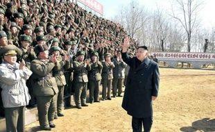 La Corée du Nord a tiré dimanche un missile de courte portée depuis sa côte orientale, dans le cadre apparent de manoeuvres, quatrième tir de ce type en deux jours, a indiqué un responsable sud-coréen.