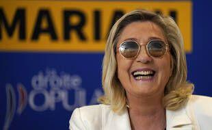 Marine Le Pen lors d'une conférence de presse de Thierry Mariani, tête de liste RN en Paca.