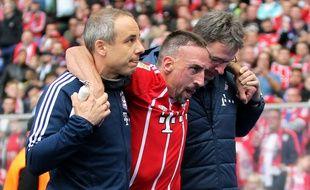 Ribéry s'est déchiré un ligament du genou contre le Herta Berlin.