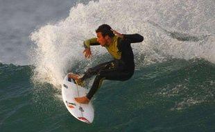 Le surfer français Jérémy florès, le 9 juillet 2009 en Afrique du Sud.