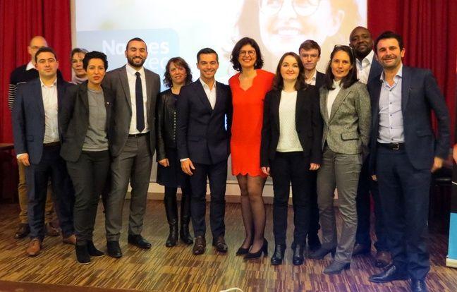 La candidate LREM Valérie Oppelt (en rouge au centre) entourée de ses premiers colistiers.