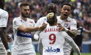 Vous ne rêvez pas: Mariano Diaz et Memphis Depay ont célébré avec rage un but, samedi face à Amiens (3-0).