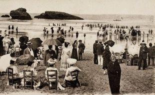 Plage de Biarritz en 1900.