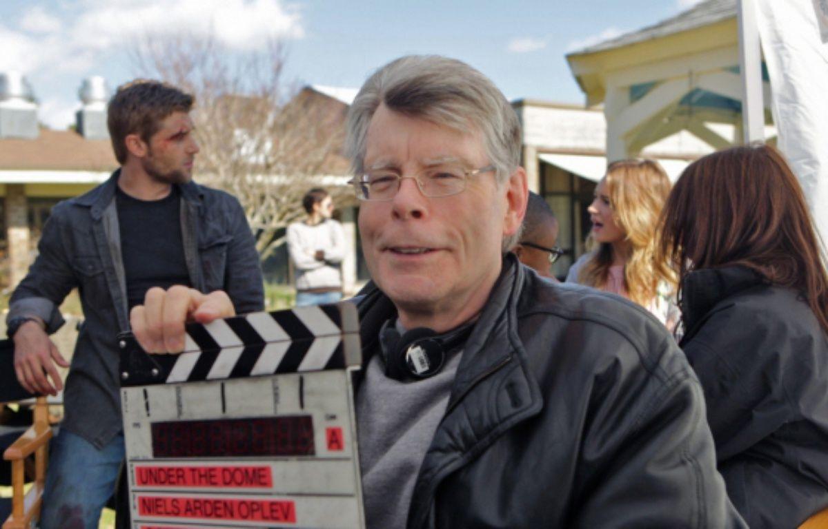 Stephen King sur le tournage d'Under the dome – CBS