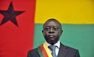 Le président par intérim de Guinée-Bissau, Raimundo Pereira, a été arrêté jeudi soir à sa résidence par des militaires, a-t-on appris vendredi auprès de son entourage.