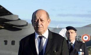 """Jean-Yves Le Drian, ministre de la Défense, a annoncé mardi un """"plan défense cyber"""" pour que la France se prépare """"à la guerre cybernétique"""", """"champ stratégique"""" qui est une de ses priorités et pour lequel il veut des moyens accrus."""
