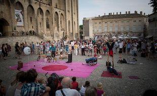 Devant le Palais s à Avignon