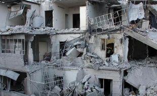 Un quartier détruit par des frappes aériennes le 28 mai 2014 à Alep