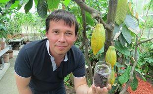 A Nantes, Ivan Schiavon a fabriqué du chocolat grâce à l'arbre du Grand Blottereau.
