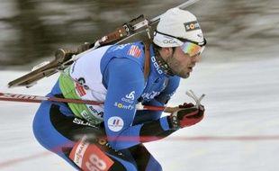 Le biathlète Simon Fourcade, lors de l'épreuve individuelle de Pokljuka, le 17 décembre 2009.