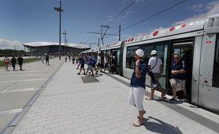 La ligne de tramway T7 permet désormais d'aller jusqu'au Groupama Stadium de Lyon (illustration)