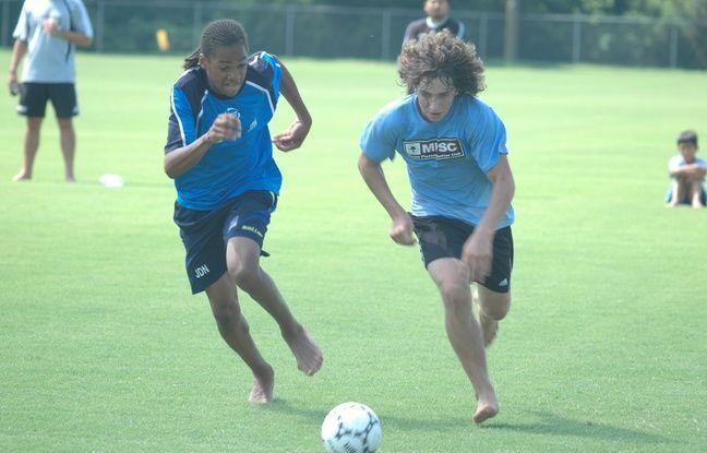 En rejoignant à 13 ans l'académie Jean-Marc Guillou à Lierse (Belgique), Jason Denayer s'est vite habitué aux entraînements pieds nus.