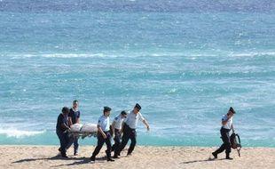 Un touriste métropolitain en voyage de noces à la Réunion a été tué mercredi par un requin alors qu'il pratiquait le surf, première victime du squale depuis le début de l'année sur cette île où l'animal a tué trois personnes en 2012 et 2011.