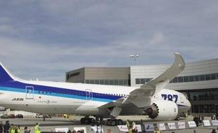 Les deux grandes compagnies aériennes japonaises ont indiqué vendredi qu'elles demanderaient des compensations à Boeing pour les désagréments subis à cause de l'immobilisation du long-courrier 787 dont elles sont deux importantes clientes.