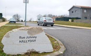 La seule rue Johnny Hallyday de France, à Charvieu Chavagneux, voit ses plaques régulièrement volées