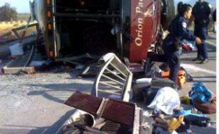 Un bus transportant des touristes français s'est retourné à Soledad, Californie, faisant plusieurs victimes, dans la nuit du 28 au 29 avril 2009.