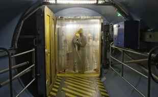 Le sas d'entrée en zone nucléaire de l'un des réacteurs de la centrale EDF de Gravelines.