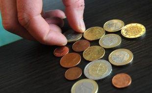 Une légère majorité de Français sont opposés à une solidarité accrue entre Etats membres de la zone euro face à la crise de la dette, selon un sondage réalisé pour l'Institut de l'entreprise.