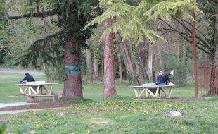 Des élèves lors d'un moment détente à l'internat du lycée André-Malraux à Montereau-Fault-Yonne, en Seine-et-Marne (77).