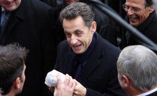 Nicolas Sarkozy à son arrivée à Orbec (Calvados), le 1er décembre 2010, pour une visite sur le thème de la médecine de proximité.